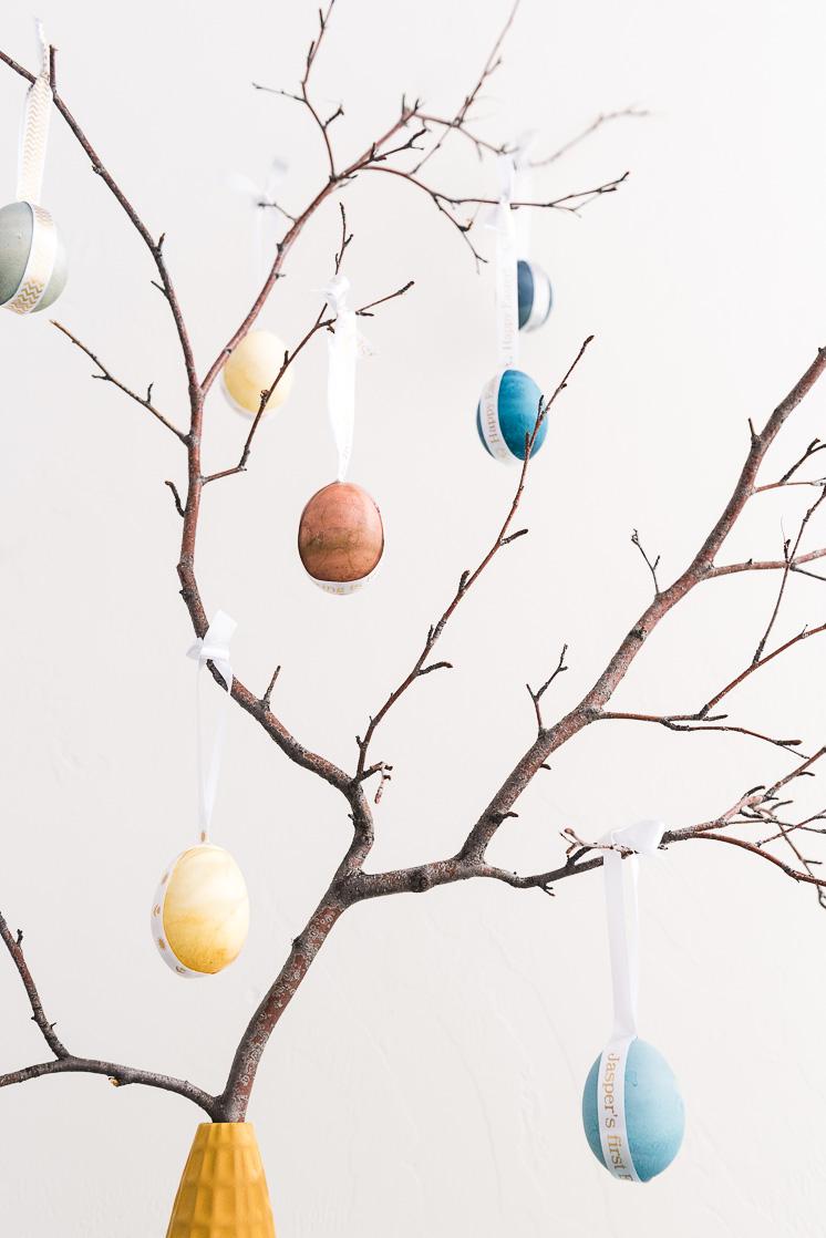 Natürlich gefärbter Osterei-Baum