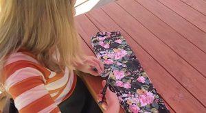 Repurposing Quickie: Wie man Leggings mit nur einem Snip in ein Top verwandelt