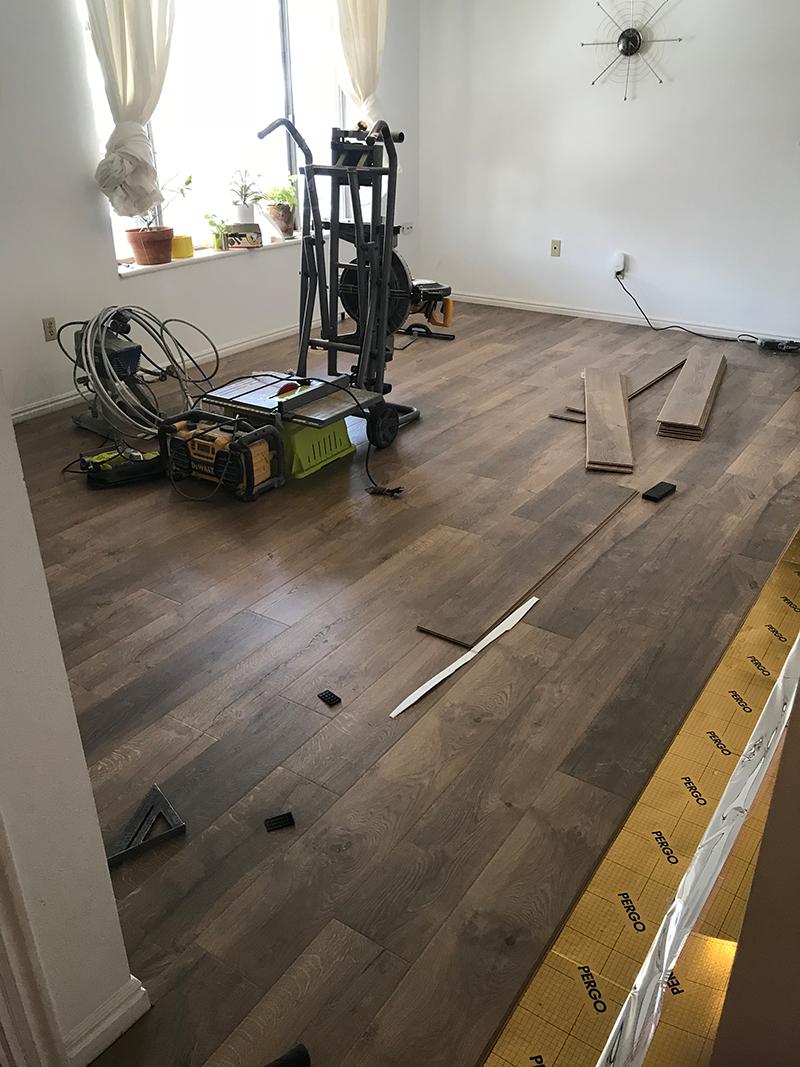 Mit unserem New Flooring bringen wir die Natur in unser Berghaus