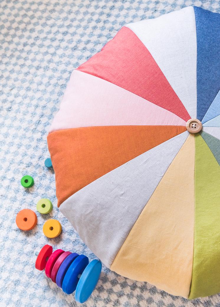 DIY Regenbogen-Boden-Hocker