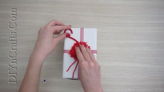4 einfache DIY Christmas Yarn Crafts, um Feiertags-Beifall zu verbreiten