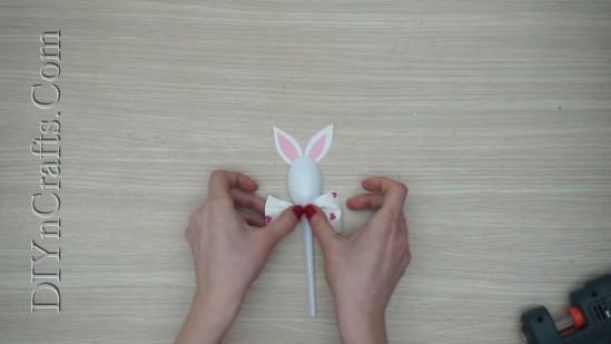 5 Spaß Ostern Handwerk für Kinder mit ... Kunststofflöffel!