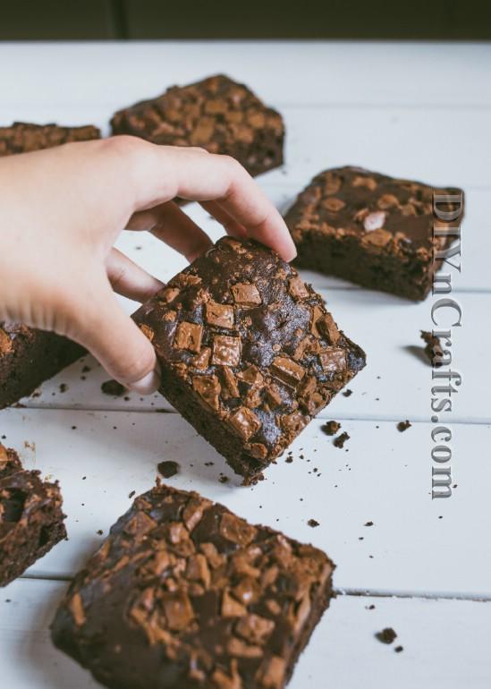 Diese Schokoladen-Chip Brownies sind wie der Himmel in einer Pfanne