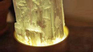 Entspannen Sie sich und entspannen Sie sich mit dieser $ 20 DIY Crystal Lamp