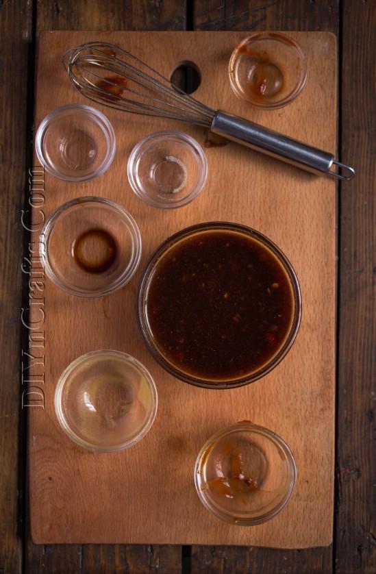 Dieses Honey Sriracha Huhn wird der Hit Ihrer nächsten Party sein