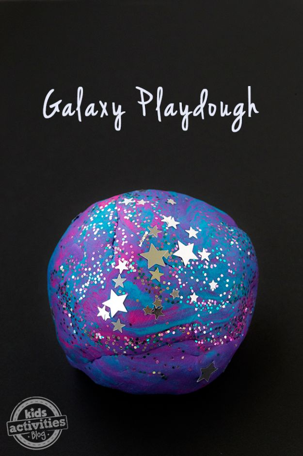Diese 33 DIY Galaxy Crafts sind aus dieser Welt