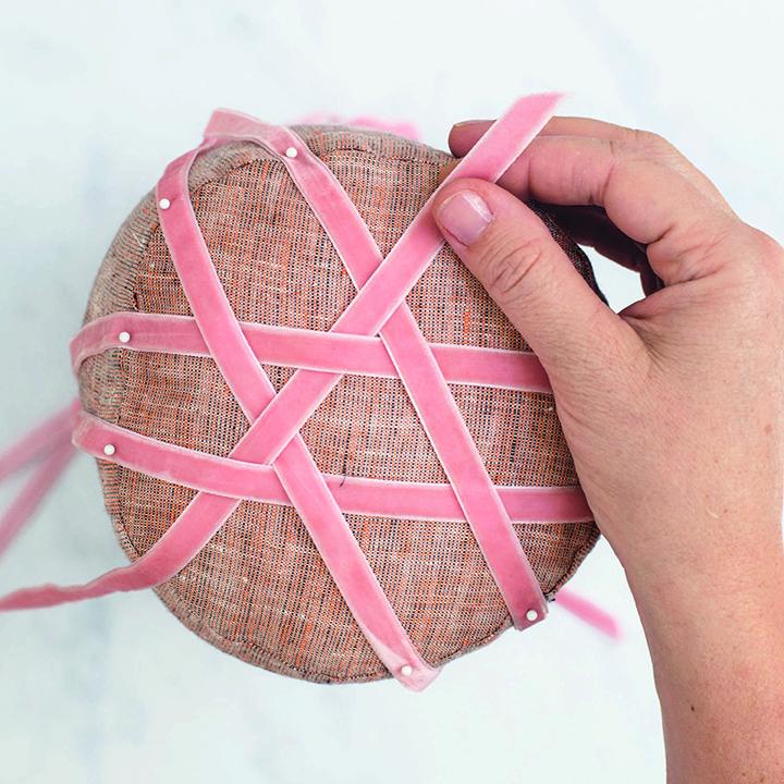 Velvet Ribbon Nackenrolle Kissen